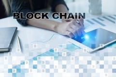 Concepto de la tecnología de Blockchain Transferencia monetaria de Internet Cryptocurrency imagen de archivo