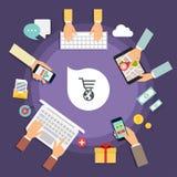 Concepto de la tienda en línea Iconos para el márketing móvil Tenencia de la mano Foto de archivo libre de regalías
