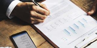 Concepto de las actividades bancarias de la contabilidad del financiamiento del negocio foto de archivo