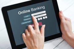 Concepto de las actividades bancarias en línea Fotos de archivo