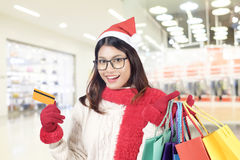 Concepto de las compras del invierno y de la Navidad Fotografía de archivo libre de regalías