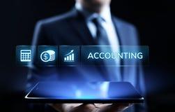 Concepto de las finanzas del negocio del cálculo de las actividades bancarias de la contabilidad que considera foto de archivo libre de regalías