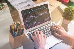 Concepto de las finanzas y de la economía foto de archivo