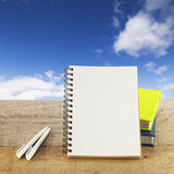 Concepto de las ideas frescas del cuaderno Imagen de archivo