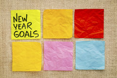 Concepto de las metas del Año Nuevo en notas pegajosas Imagen de archivo libre de regalías