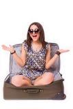 Concepto de las vacaciones del viaje adolescente con equipaje en blanco Fotos de archivo libres de regalías