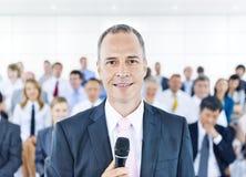 Concepto de Leadership Presentation Cooperation de la empresaria Imagenes de archivo