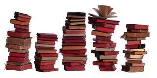 Concepto de libros viejos apilados con las páginas envejecidas Fotos de archivo