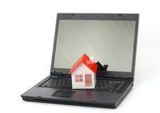 Concepto de los bienes inmuebles o del seguro fotos de archivo