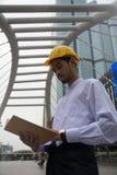 Concepto de los hombres de negocios de Myanmar de discusión con el espacio de la copia para los vagos fotografía de archivo