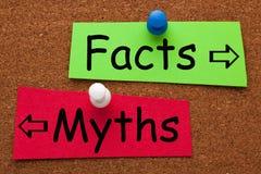 Concepto de los mitos de los hechos foto de archivo libre de regalías