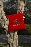 Concepto de los regalos del árbol de la Feliz Navidad y de la Feliz Año Nuevo Foto de archivo