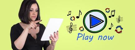 Concepto de música en línea imagen de archivo