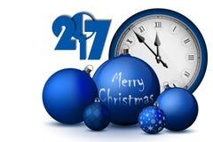 Concepto 2017 de Navidad y del Año Nuevo Bolas azules de la Navidad con los tenedores y el reloj de plata del vintage libre illustration