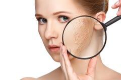 Concepto de rejuvenecimiento y de cuidado de piel Cara de una muchacha hermosa fotografía de archivo libre de regalías