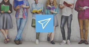 Concepto de Rocket Launce Growth Success Startup del aeroplano de papel Imágenes de archivo libres de regalías