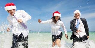 Concepto de Santa Hat Business Travel Vacations de la Navidad Foto de archivo libre de regalías