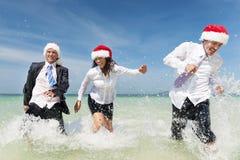 Concepto de Santa Hat Business Travel Vacations de la Navidad Foto de archivo