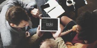 Concepto de Team Working Together Ideas Tablet de la gente fotos de archivo libres de regalías