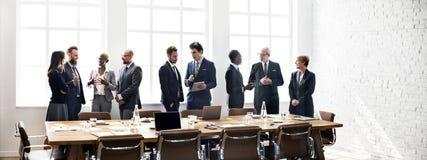 Concepto de trabajo de la estrategia de la discusión de la reunión de unidad de negocio fotos de archivo