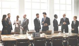Concepto de trabajo de la estrategia de la discusión de la reunión de unidad de negocio imagenes de archivo
