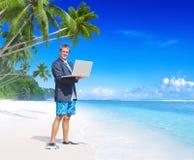 Concepto de Vacation Relaxation Computer del hombre de negocios Imagen de archivo libre de regalías