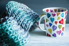 Concepto del amor, taza de té rojo Foto de archivo libre de regalías