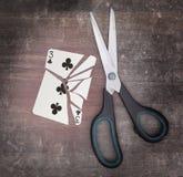 Concepto del apego, tarjeta con las tijeras Fotos de archivo libres de regalías