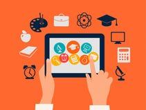 Concepto del aprendizaje electrónico. Manos que tocan una tableta con e ilustración del vector