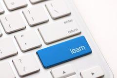 Concepto del aprendizaje electrónico. Teclado de ordenador Fotografía de archivo