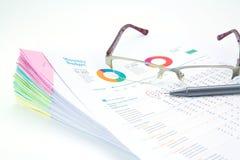 Concepto del asunto Pila de informes de negocios Imágenes de archivo libres de regalías