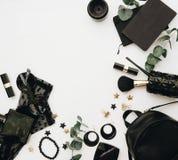 Concepto del blogger de la moda Accesorios negros de las mujeres elegantes Foto de archivo libre de regalías