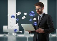 Concepto del boletín electrónico imágenes de archivo libres de regalías