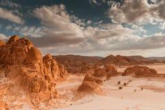 Concepto del calentamiento del planeta del fondo del paisaje del desierto Foto de archivo libre de regalías