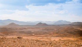 Concepto del calentamiento del planeta del fondo del paisaje del desierto Imágenes de archivo libres de regalías