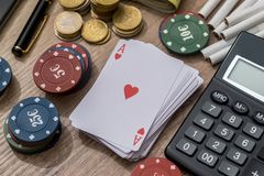 Concepto del casino con los accesorios Imagen de archivo libre de regalías