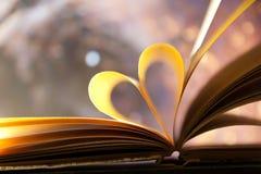 Concepto del corazón del libro. Foto de archivo
