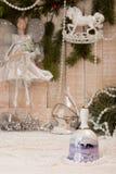 Concepto del día de fiesta del Año Nuevo de la Navidad Bell con los ciervos, garla blanco Imagenes de archivo
