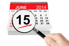 Concepto del día de padre. Calendario del 15 de junio de 2014 con la lupa Imagenes de archivo