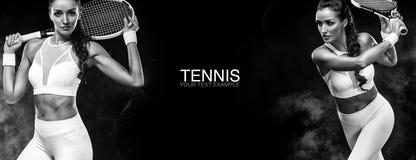 Concepto del deporte Se divierte al jugador de tenis de la mujer con una estafa Copie el espacio Foto blanco y negro de Pekín, Ch Imágenes de archivo libres de regalías