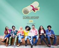 Concepto del dinero del préstamo de la educación universitaria de la ayuda de la beca Foto de archivo libre de regalías