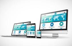 Concepto del diseño web con la maqueta moderna de los dispositivos Foto de archivo libre de regalías