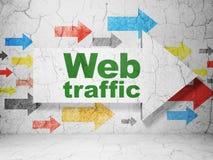 Concepto del diseño web: flecha con tráfico del web en fondo de la pared del grunge Fotos de archivo libres de regalías