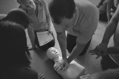 Concepto del entrenamiento de los primeros auxilios del CPR Fotos de archivo