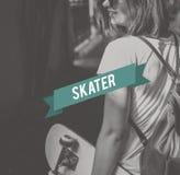 Concepto del estilo de la calle del adolescente del patinador del monopatín Imagen de archivo libre de regalías