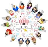Concepto del gráfico de la gente de los niños jovenes de los niños Imagen de archivo
