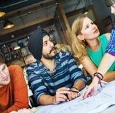 Concepto del interior de Teamwork Brainstorming Planning del diseñador imagenes de archivo