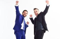 Concepto del logro del negocio Fiestas en la oficina Celebre el trato acertado Emocionales felices de los hombres celebran trato  fotografía de archivo libre de regalías