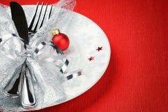 Concepto del menú de la Navidad en fondo rojo Imagenes de archivo
