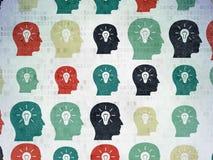 Concepto del negocio: Cabeza con los iconos de la bombilla encendido Foto de archivo